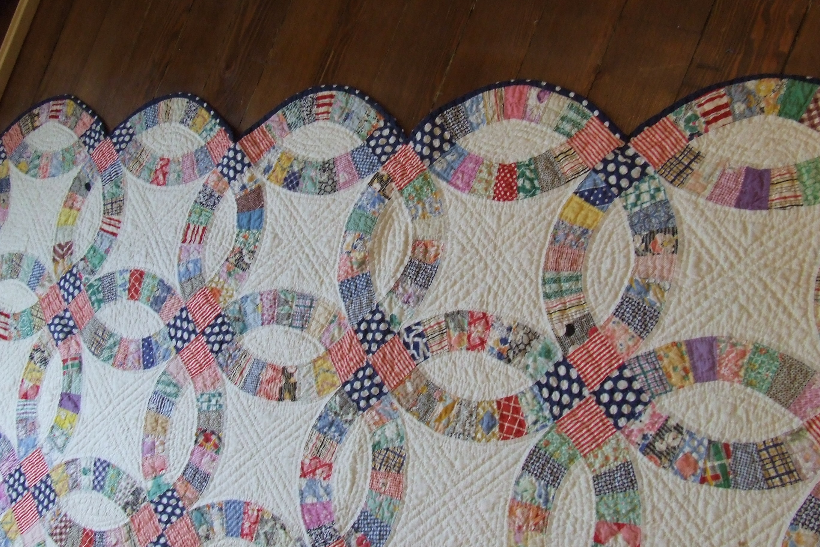 Superbe Wedding Ring Quilt For Sale