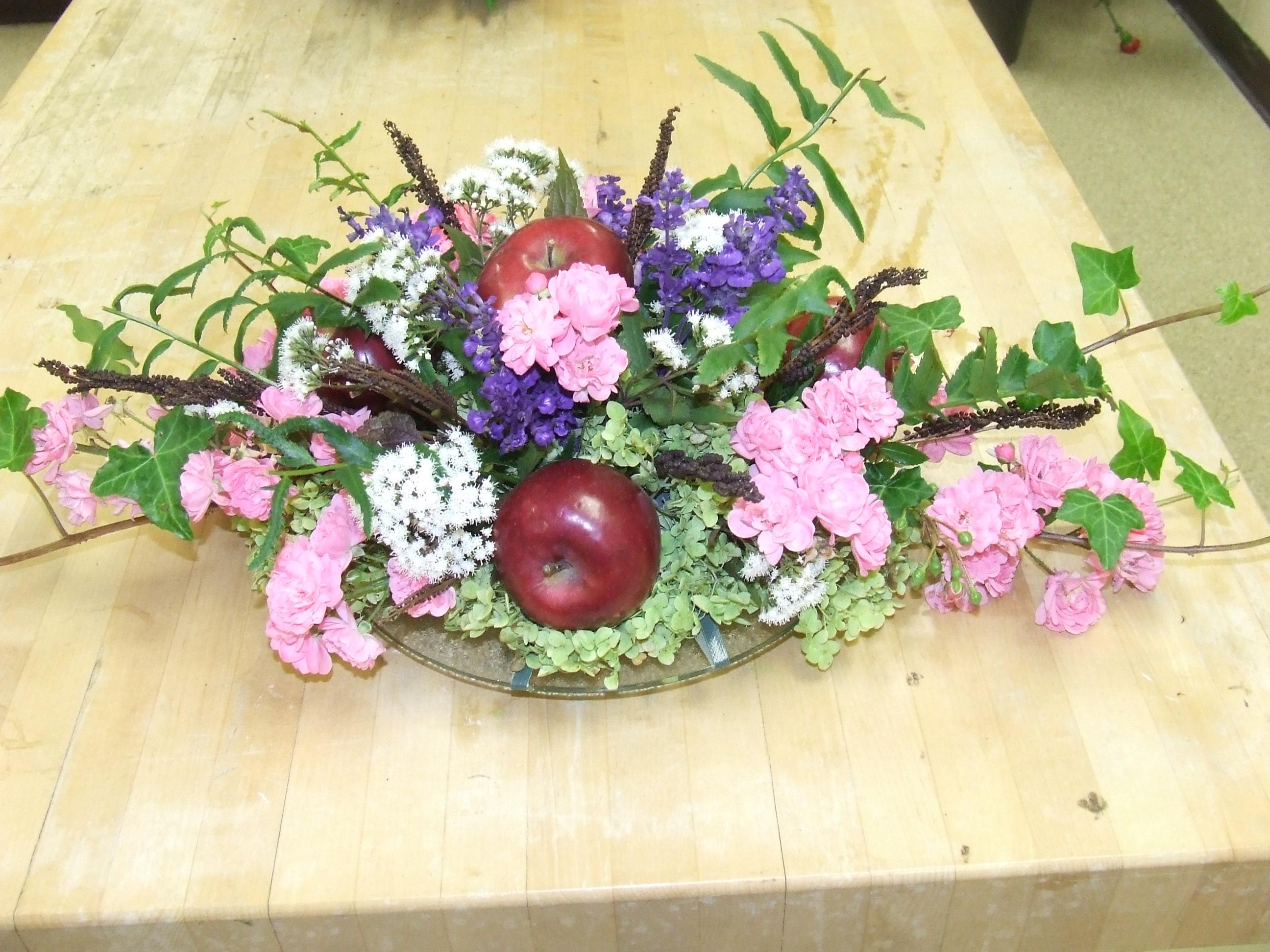 Floral design class…round centerpiece tim latimer