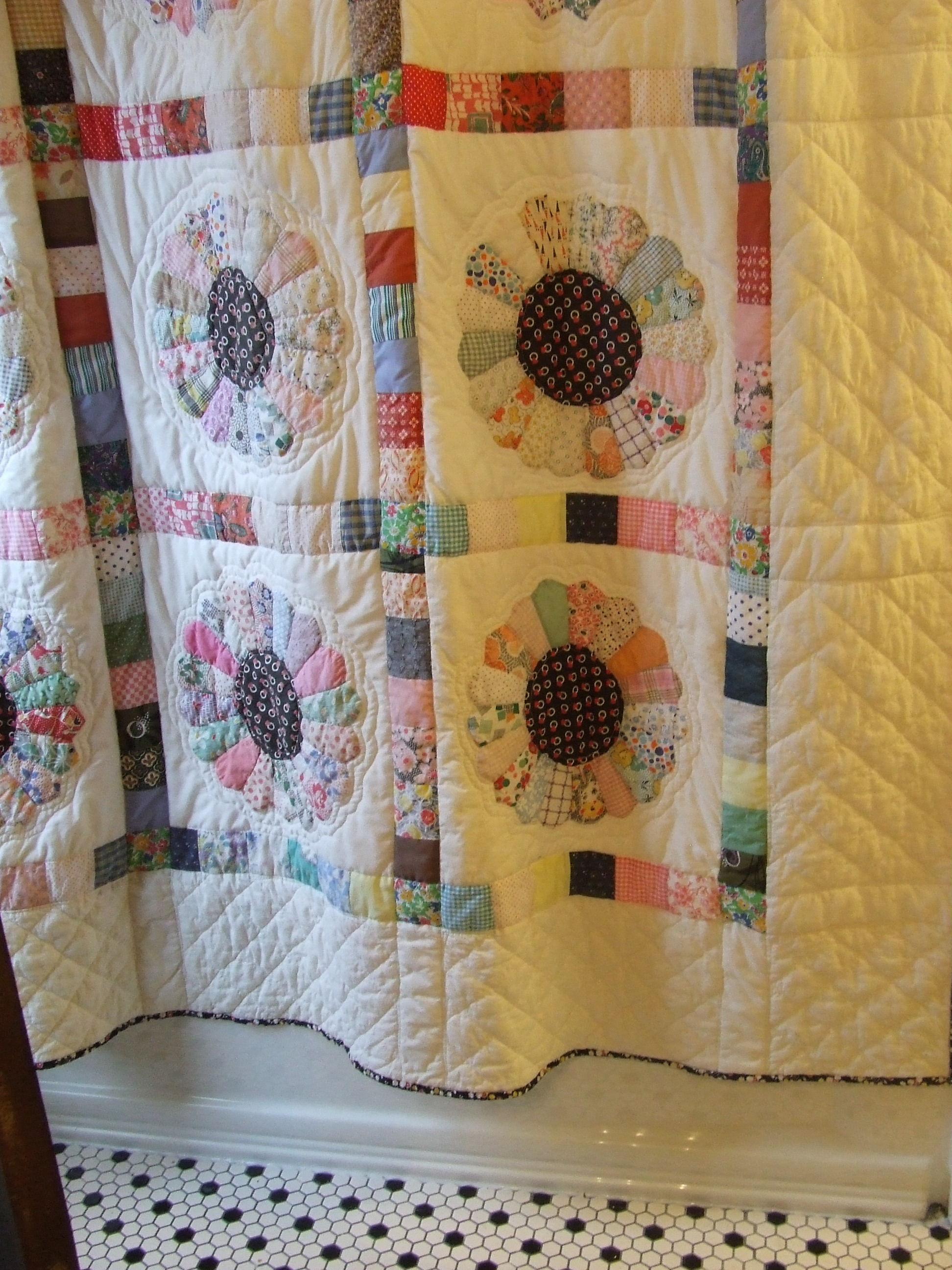 Shower curtain quilt pattern -  Shower Curtain Quilt My