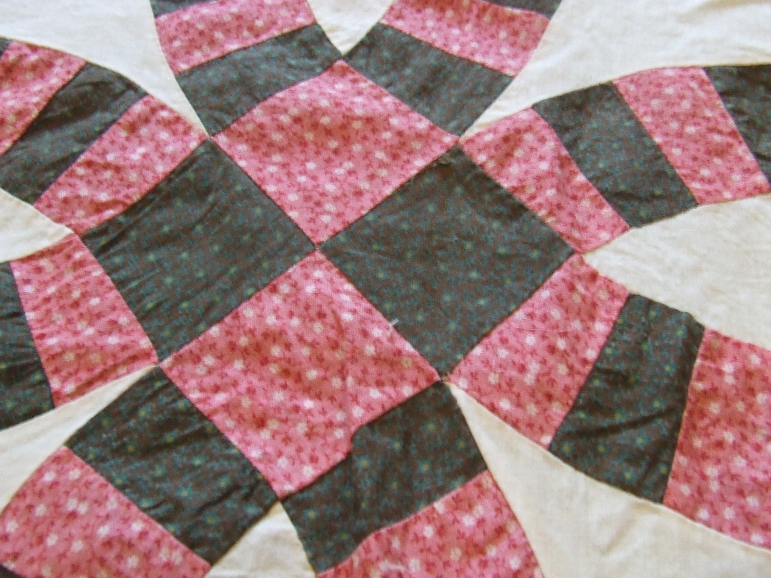 Courthouse Steps | Tim Latimer - Quilts etc