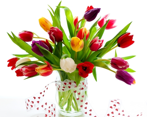 tulips_flowers_vase_ribbon_greenery_24683_3200x2560