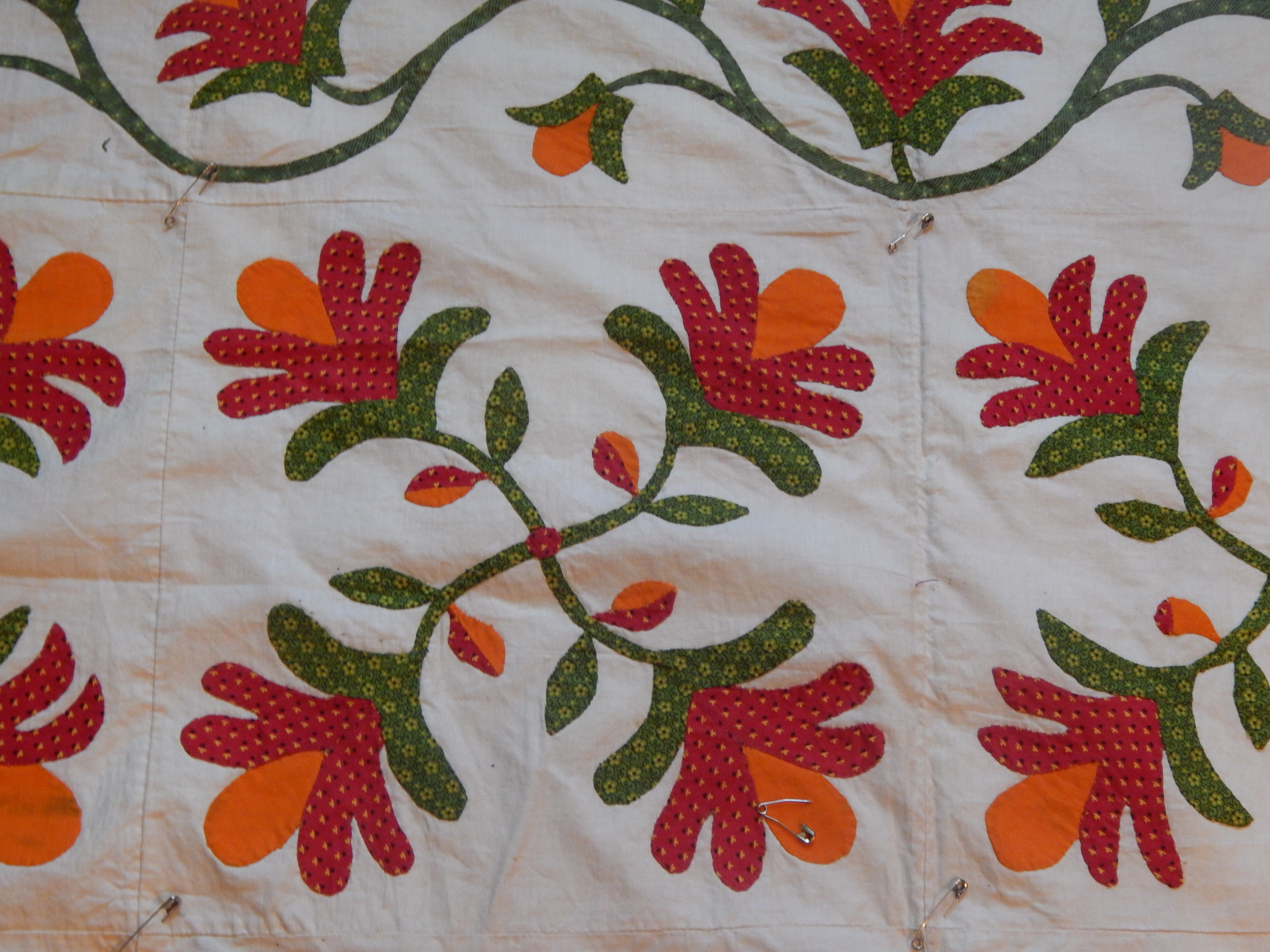 Applique designs for tablecloth - What I Don T Want Is Any Quilting That Will Detract From The Beautiful Applique I Want The Quilting To Enhance The Design Of The Top