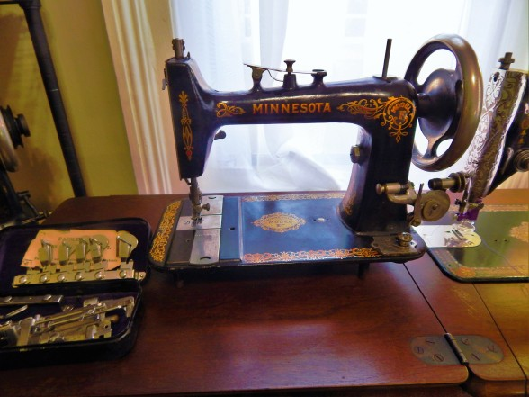 Antique Sewing Machine Tim Latimer Quilts Etc